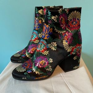 The Wishbone Collection embroidered volcano boots